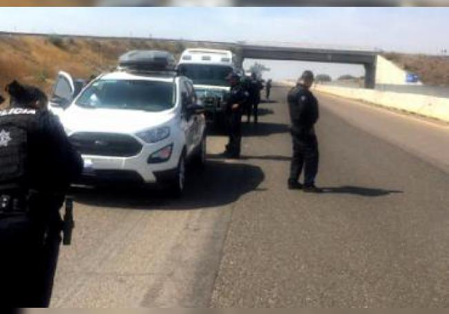Una mujer que padecía de cáncer terminal murió a bordo de una camioneta, en la que su esposo la llevaba a visitar a unos familiares a Chihuahua.