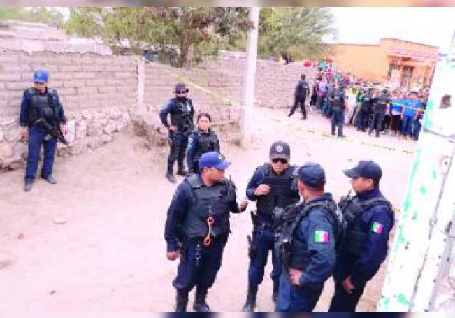 El director de la Policía Municipal de El Llano abate a balazos a un presunto rijoso; en versión oficial, los uniformados sólo repelieron la agresión, pero en versión extraoficial se habla de abuso de fuerza policial.