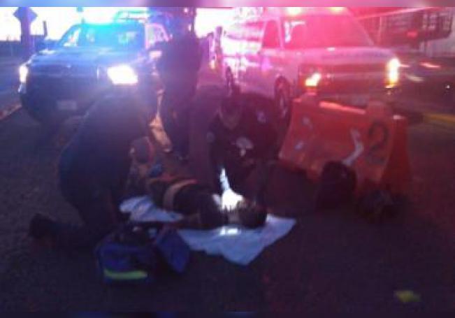 El motocicleta resultó lesionado y tuve que ser trasladado a recibir atención médica.