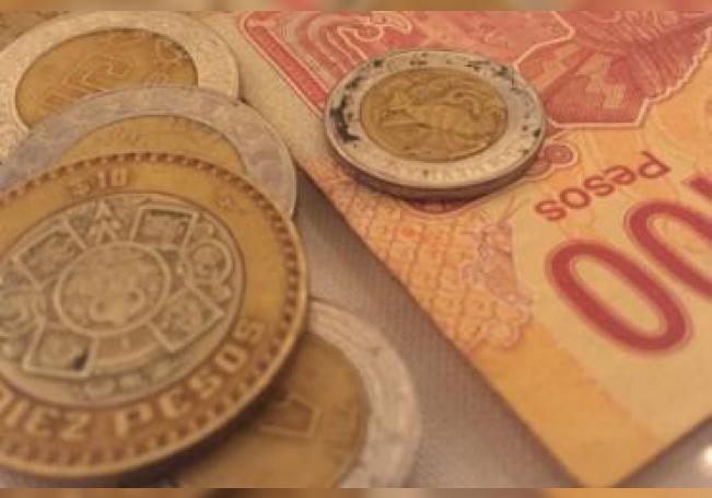 El dólar se llegó a vender hasta en 25.11 pesos en ventanilla.