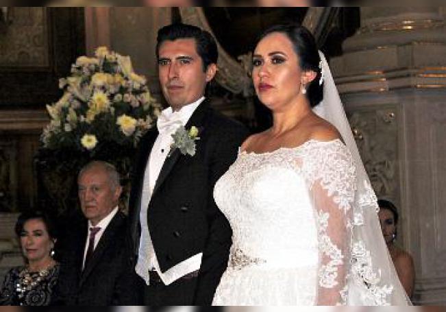 En su boda, José Arturo Ramírez García y Adriana Carolina Avilés Martínez.