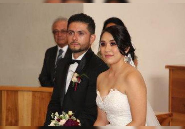 Unidos en el amor han quedado ya, al recibir la bendición matrimonial.
