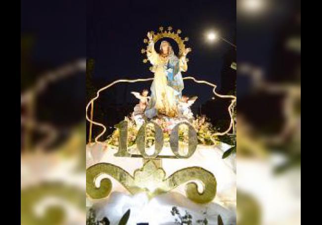 Hermosa se vio la imagen de la Virgen de la Asunción en el carro triunfal.