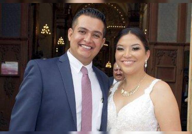 Los recién casados, Gabriel de Jesús Esparza y Diana Rosales.