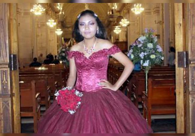 Agradeció a Dios sus quince años de vida Naylea Rubí Zamarripa Castillo.