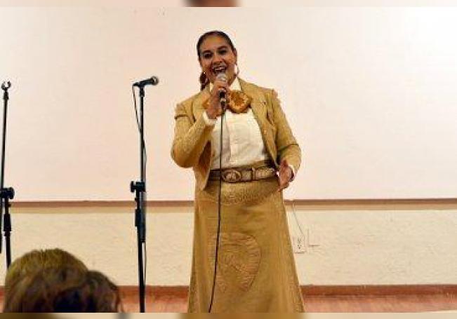 Fuertes aplausos recibió Adriana Acosta durante su interpretación.