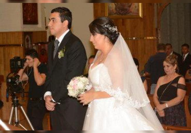Disfrutan de románticos momentos luego de su boda.