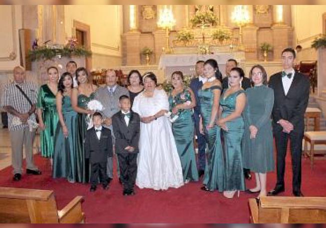 Con toda su descendencia, don Antonio y María Isabel.