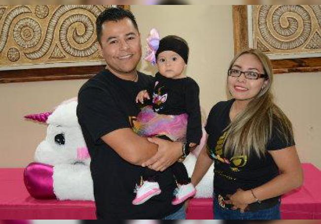 Una fiesta de unicornios fue preparada para la pequeña Mía Fernanda.