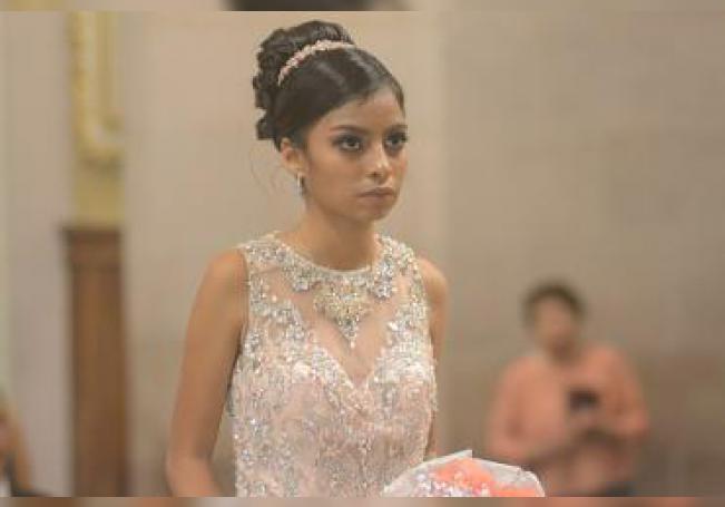 Agradeció a Dios sus quince años de vida, Evelyn Flores Ibarra.