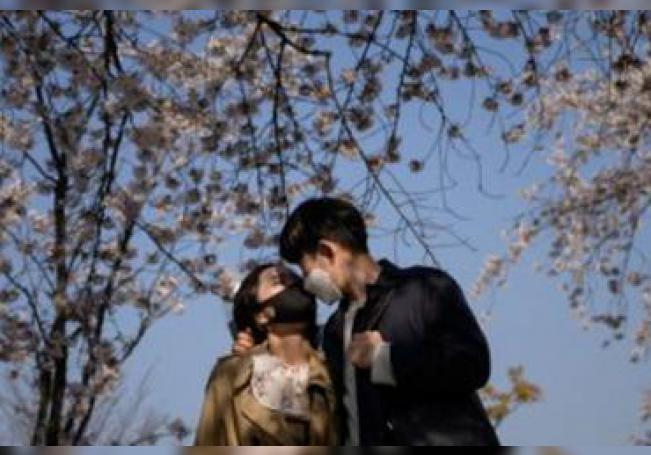 Los besos desatan un vendaval de calma y paz que también hace al sistema inmunitario más fuerte, además de aliviar el estrés y la tensión.