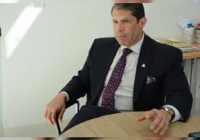 Objetivo, serio, responsable y arduo impulsor del sector empresarial, Raúl González comparte con el periódico HIDROCÁLIDO parte de su trayectoria en el fascinante mundo de los negocios.