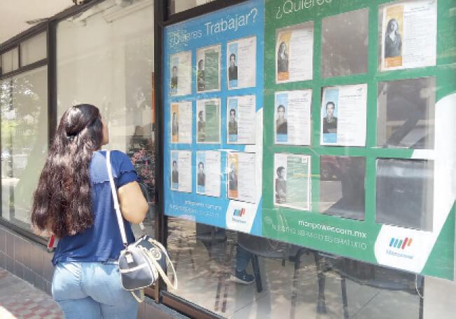 La segunda medición telefónica del INEGI sobre ocupación y empleo durante la pandemia, confirma que el desempleo temporal se disparó para afectar al 33% de la población disponible para trabajar.