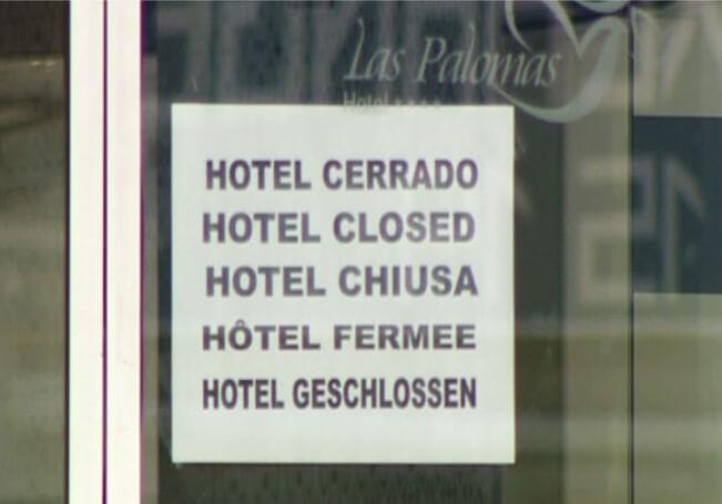 La gente ya está harta y lo único que quieren es despejar sus mentes con unas merecidas vacaciones, pero los hoteles siguen cerrados.