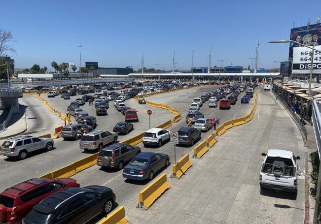 El cierre parcial de la frontera de México con EE.UU. seguirá otros 30 días más.