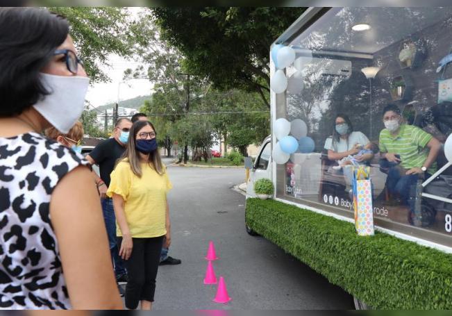 Una cabina desinfectada para presentar bebés nacidos en pandemia en México