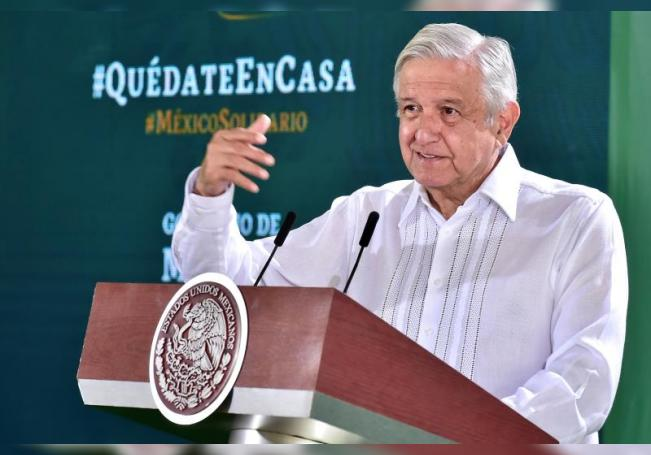 Fotografía cedida por la presidencia de México, del mandatario mexicano, Andrés Manuel López Obrador, durante su participación en una rueda de prensa matutina este miércoles, en la ciudad de Culiacán, en el estado de Sinaloa (México). EFE/ Presidencia De México SÓLO USO EDITORIAL/NO VENTAS