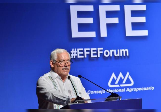 El secretario de Agricultura de México, Víctor Manuel Villalobos durante una conferencia. EFE/Jamie Ávalos/Archivo