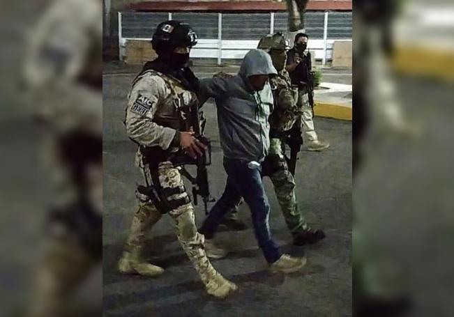 Fotografía cortesía de la Fiscalía de Justicia del estado de Guanajuato que muestra la detención de José Antonio Yépez, alías 'el Marro' por parte de fuerzas federales en el estado de Guanajuato (México). EFE/Fiscalía de Justicia del estado de Guanajuato/SOLO USO EDITORIAL/NO VENTAS/MÁXIMA CALIDAD DISPONIBLE