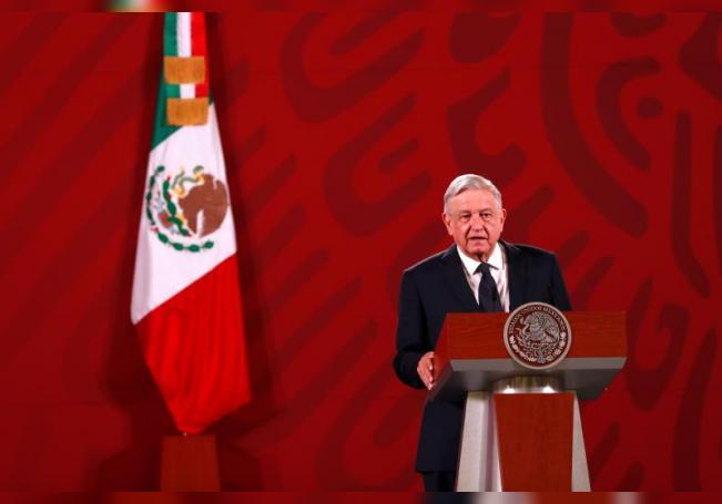 El presidente de México, Andrés Manuel López Obrador, habla durante su conferencia de prensa matutina en el Palacio Nacional de la Ciudad de México (México). EFE/ Jorge Núñez/Archivo