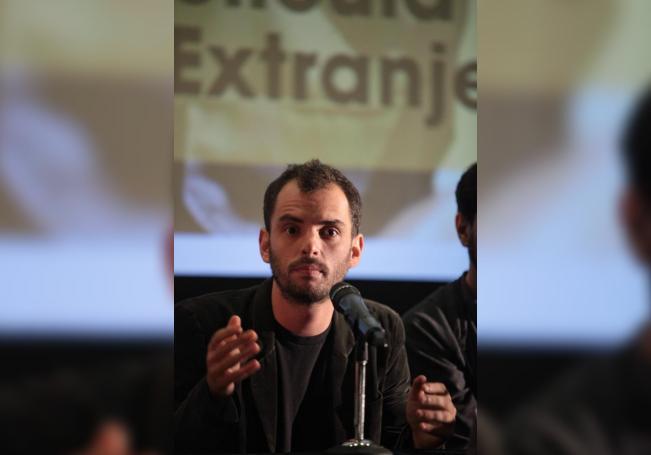 El director de cine mexicano Jonás Cuarón habla durante una rueda de prensa para dar a conocer las películas que representarán a México en las los premios Goyas y Oscar 2017. EFE/Sáshenka Gutiérrez/Archivo