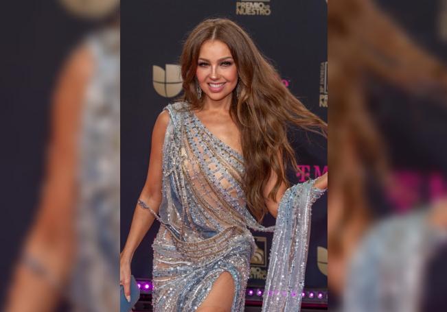 La cantante mexicana Thalía posa a su llegada a la alfombra magenta de los premios Lo Nuestro en el American Airlines Arena de la ciudad de Miami (EE.UU.). EFE/ Giorgio Viera/ Archivo