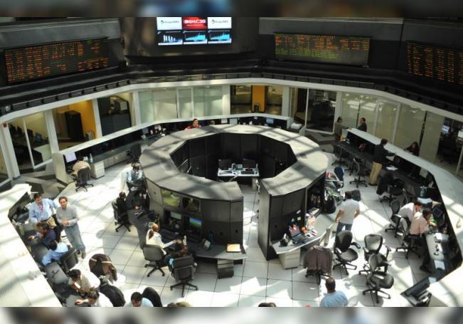Fotografía general del interior de la Bolsa Méxicana de Valores (BMV). EFE/Mario Guzmán/Archivo