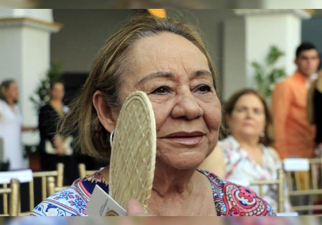 Fotografía de archivo fechada el 22 de mayo de 2016 que muestra a la viuda del premio Nobel de literatura Gabriel García Márquez, Mercedes Barcha, mientras participaba en una ceremonia en el Claustro de la Merced en Cartagena (Colombia). EFE/RICARDO MALDONADO ROZO/Archivo