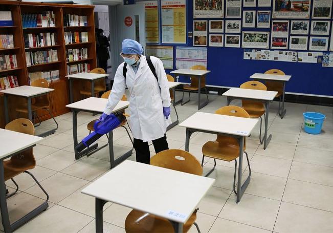 Los padres de familia temen el regreso a las aulas pues creen que se pueden convertir en focos de contagios.