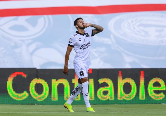 Un gol le bastó al Querétaro para imponerse a la Máquina.