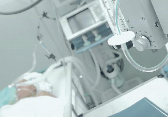 Ayer se amaneció con la ocupación del 44% de las camas con ventilador utilizadas para pacientes muy graves.