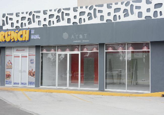 La crisis económica provoca que locatarios decidan cerrar.