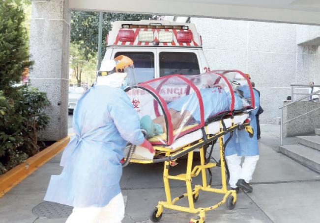 Ya arribaron los dos primeros pacientes con COVID al hospital de la XIV Zona Militar.