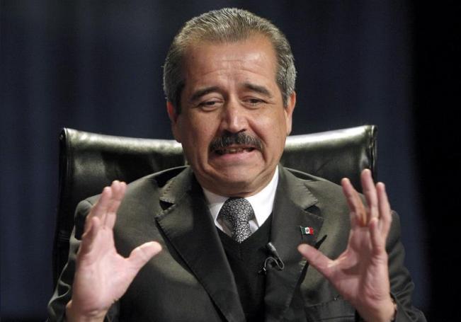 El exsecretario de Salud de México, José Ángel Córdova, durante una rueda de prensa. EFE/JuanJo Martín/Archivo