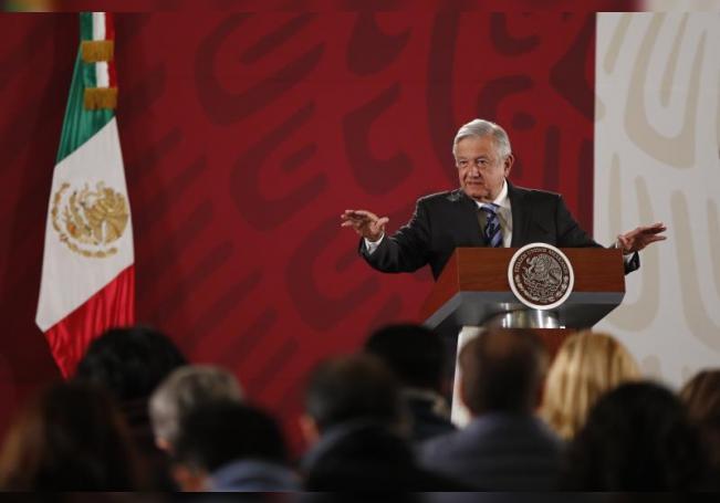 El presidente de México, Andrés Manuel López Obrador, ofrece una rueda de prensa en el Palacio Nacional de Ciudad de México (México). EFE/ José Méndez/Archivo