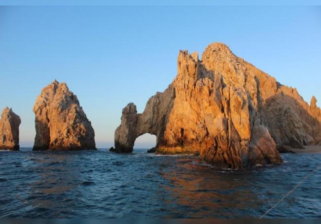 Fotografía cedida por Radeel Media que muestra una formación rocosa en Los Cabos, estado de Baja California (México). EFE/ Brayan Neri Vilchis/Cortesía Radeeal Media/SOLO USO EDITORIAL