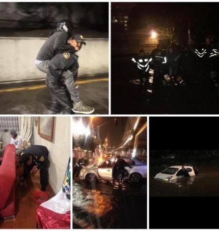 Combo de fotografías cedido hoy por el Gobierno de la Ciudad de México que muestra las acciones de rescate realizadas por Bomberos, Policía y Protección Civil, frente a las inundaciones registradas la tarde noche del miércoles en la Ciudad de México (México). EFE/ Gobierno de la Ciudad de México /SOLO USO EDITORIAL /NO VENTAS