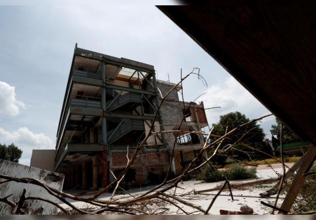 Vista general del Colegio Enrique Rébsamen el 14 de septiembre de 2020 en la Ciudad de México, donde 19 niños y siete adultos perdieron la vida al derrumbarse durante el terremoto ocurrido el 19 de septiembre de 2017 en Ciudad de México (México). EFE/José Méndez
