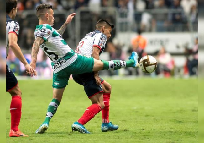 1-2. El argentino Maximiliano Meza le da triunfo a Monterrey sobre San Luis