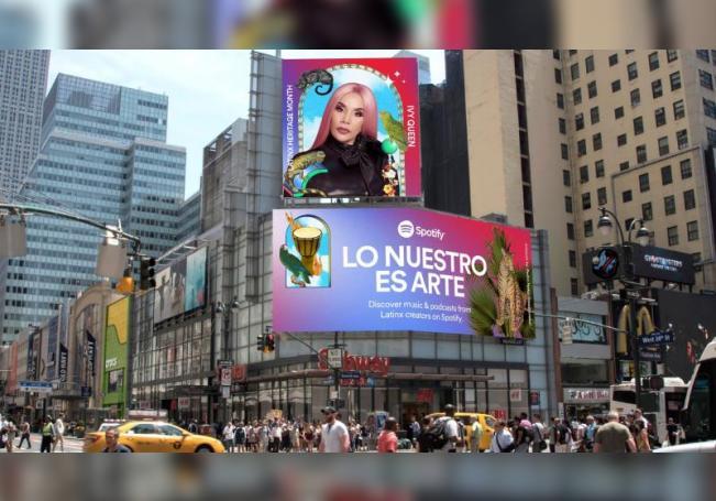 """Fotografía cedida por Spotify que muestra una valla publicitaria en Estados Unidos. La plataforma musical Spotify anunció este lunes el lanzamiento de la campaña """"Lo Nuestro es Arte"""" para celebrar el """"Mes de la Herencia Latinx"""". EFE/Spotify/SOLO USO EDITORIAL/NO VENTAS"""