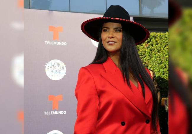 La cantante mexicana Litzy posa en la alfombra roja de la cuarta edición de los Latin American Music Awards (Latin AMAs), el jueves 25 de octubre de 2018, en el Teatro Dolby, situado en el corazón de Hollywood, Los Ángeles (EE.UU.). EFE/David Amador Rivera/Archivo