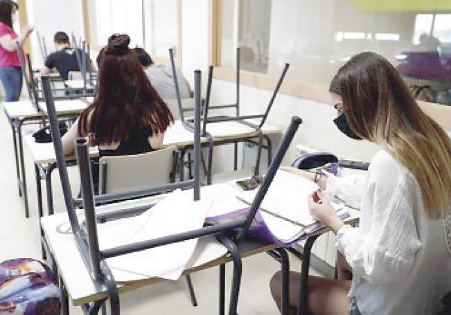 En la educación media y superior ya tienen clases presenciales.