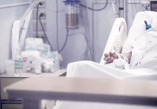El número de médicos contagiados va en aumento.