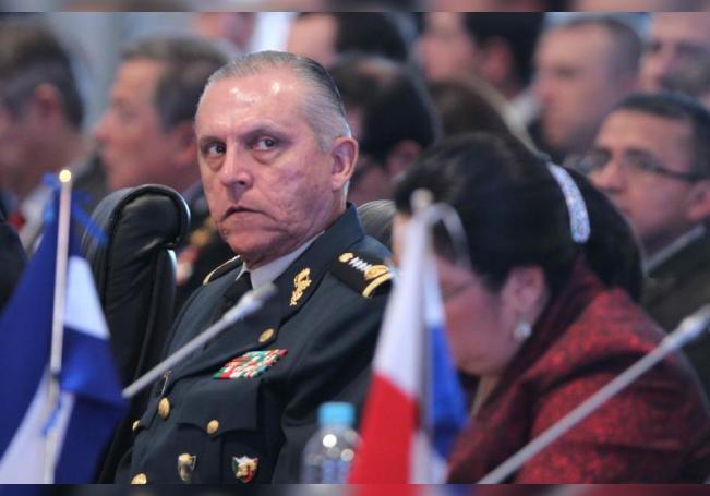 El exsecretario de la Defensa del presidente Peña Nieto es detenido en EEUU