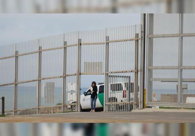 Muro, restricción de asilo y censo a indocumentados, en la agenda del Supremo