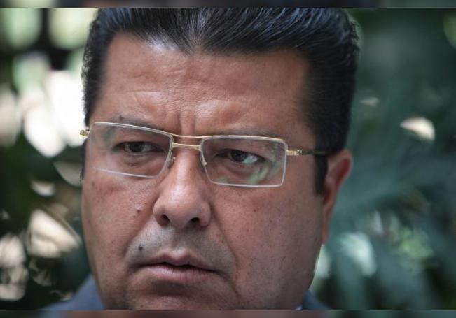 Alcalde de Ciudad Juárez con covid otra vez ante repunte en frontera mexicana