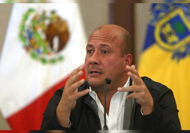 Gobernadores mexicanos amenazan con consultas populares sobre modelo fiscal