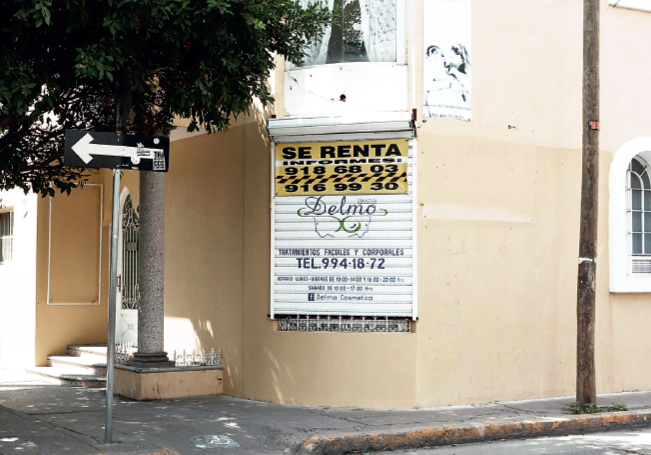 Muchos comerciantes tuvieron que bajar cortinas al no poder costear las rentas de los locales.