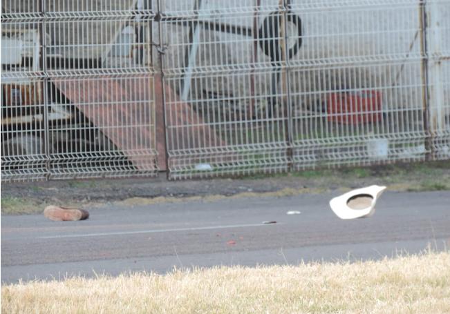 El cuerpo de la víctima terminó tendido sobre la cinta asfáltica.