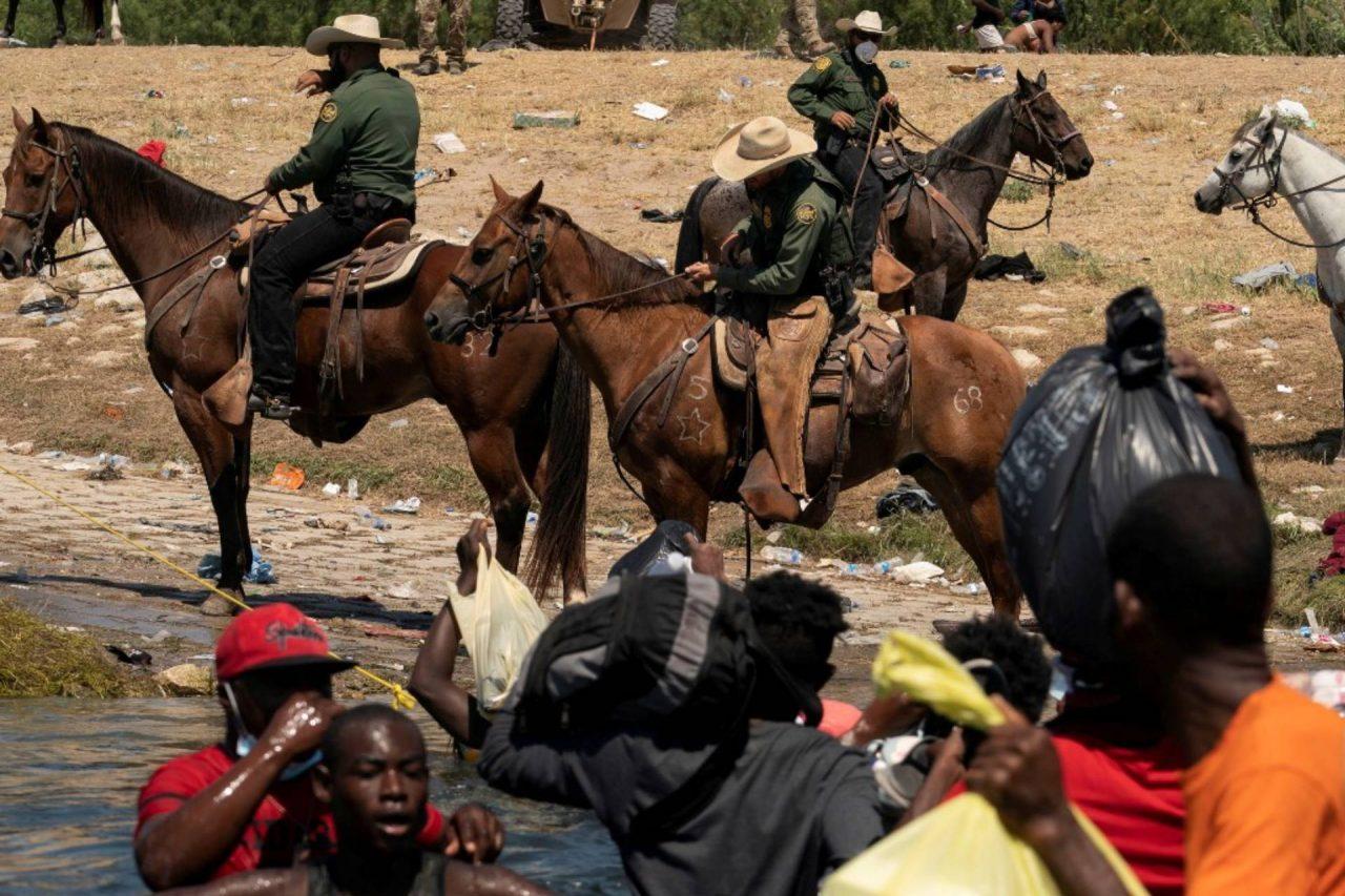 López Obrador transportistas migrantes